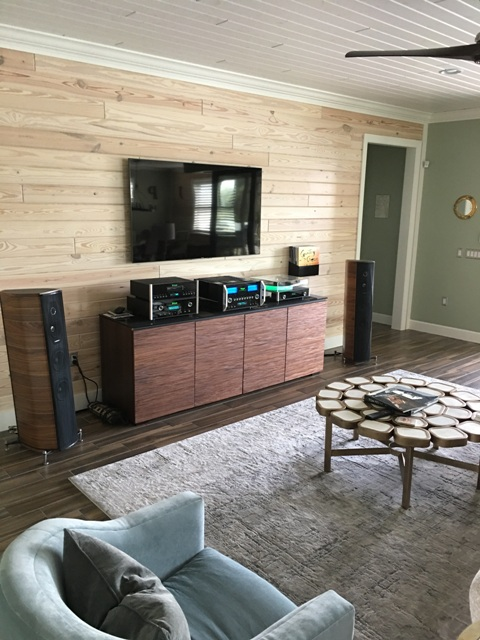 Mcintosh stereo with sonus faber olympica 3 speakers