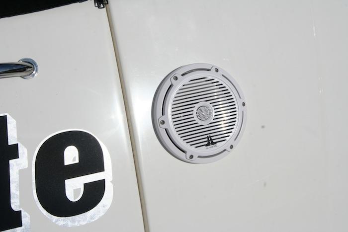 INI AV - Attitude Adjustment Waterproof Speaker