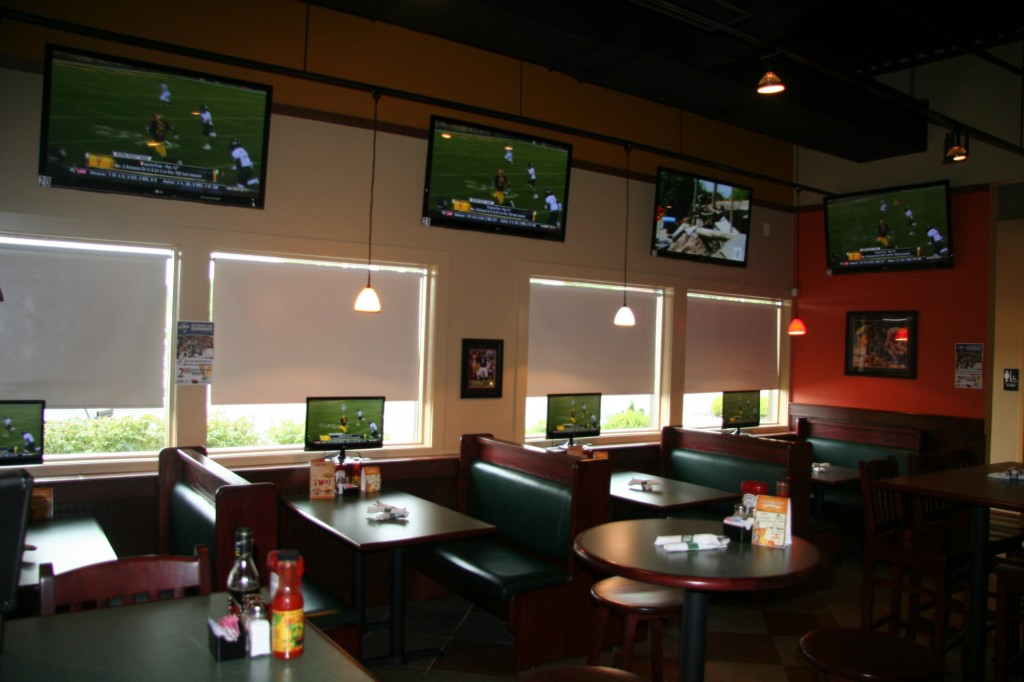INI AV Gallery - Dulles Green Turtle Dinning Area with Televisions