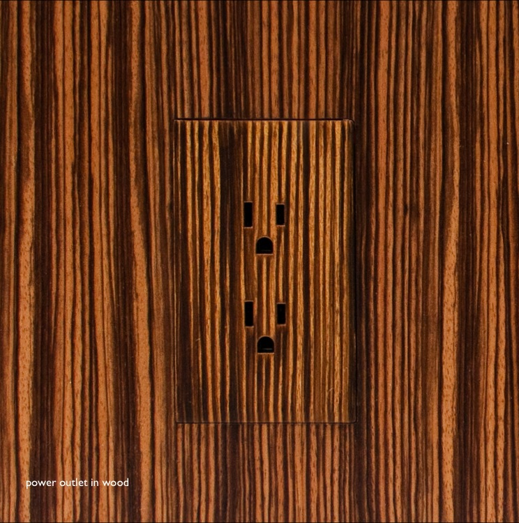 Trufig Outlet in Wood